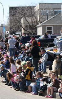 Spectators at the Black Gold Rodeo Parade